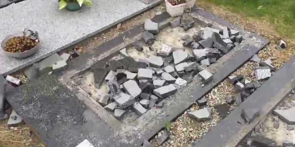 21 grafzerken vernield op begraafplaats in Meulebeke